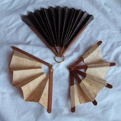 making fans craft | ... making paper folding fans using popsicle sticks, instead. So I went