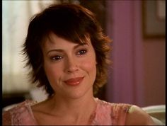 Phoebe From Charmed - Yahoo Image Search results Phoebe Charmed, Charmed Tv, Alyssa Milano Hair, Short Hair Cuts, Short Hair Styles, Under My Skin, Amanda Bynes, American Dad, Best Tv Shows