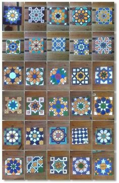 Fotoğraf Ceramic Wall Art, Tile Art, Ceramic Painting, Mosaic Art, Ceramic Pottery, Islamic Patterns, Tile Patterns, Geometric Designs, Geometric Shapes