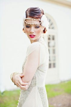 A Great Gatsby themed wedding inspiration shoot filled with glitter, sequins, and art deco wedding details. The Great Gatsby, Great Gatsby Themed Wedding, 1920s Wedding, Art Deco Wedding, Chic Wedding, Wedding Gowns, Dream Wedding, Make Up Braut, Bridal Makeup Looks