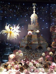Paris est une Fête! — Beaucoup de créativité dans la vitrine de Noël du...