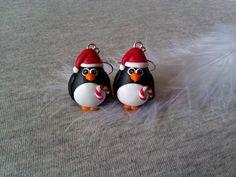 Vánoční tučňáčci vyrobení z polymerové hmoty fimo, postříbřený afroháček, gumová zarážka