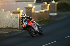 Guy Martin on the Victory Emulse at Isle of Man 2015