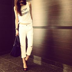 西内まりや @Ma_realife 今日の私服(*^^*) 白コーデ♪  Tops/Snidel Bottoms/Ungrid Sunglasses/SUPER Bag/CELINE pic.twitter.com/o1td72i680