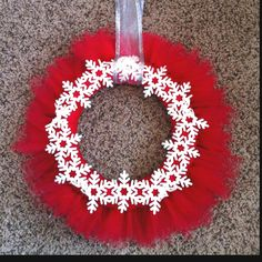 Embellished but simple tulle wreath. I started early with my Christmas decorations :)