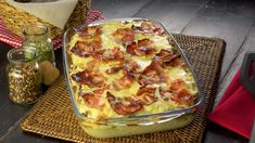 SO genial hast du Blumenkohl noch nie gegessen. Hamburger Dishes, Hamburger Casserole, Casserole Recipes, Yummy Vegetable Recipes, Vegetable Side Dishes, Cauliflower Dishes, Low Carb Sweets, Grilled Veggies, Food To Make