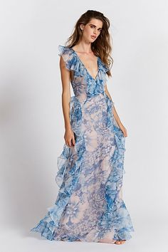Oh My Goddess Dress Free People - what to wear to your engagement session Beautiful Maxi Dresses, White Maxi Dresses, Floral Maxi Dress, Sexy Dresses, Dresses For Sale, Cute Dresses, Lace Dress, Evening Dresses, Casual Dresses