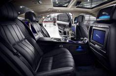Jaguar XJ Limousine embarks the iPad  !