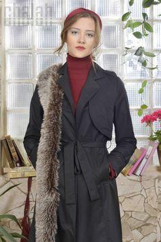 Chalah 2015-2016 FAll Collection  #chalah #trench #trenchcoat #fashion #womanfashion #fallwinter #black #blackthings #istanbul #turkey #turkishdesigner #caglaaksu #çağlaaksu #chalahfashionstudio #moda #trend #collagestyle #streetstyle