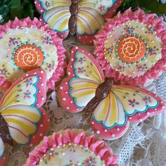 Butterfly and fantasy flower in cheerful hot pink, orange, and yellow; Mother's Day Cookies, Summer Cookies, Fancy Cookies, Valentine Cookies, Iced Cookies, Cute Cookies, Easter Cookies, Cookies Et Biscuits, Heart Cookies