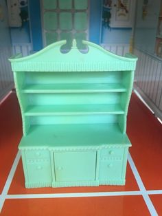 RENWAL GREEN CHINA CABINET VINTAGE DOLLHOUSE FURNITURE PLASTIC 1:16 Miniature  | eBay Pink Bathroom Furniture, Cabinet Furniture, Kitchen Furniture, Miniature Dollhouse Furniture, Vintage Dollhouse, Dollhouse Miniatures, White Wood Kitchens, Green China, Mini Things