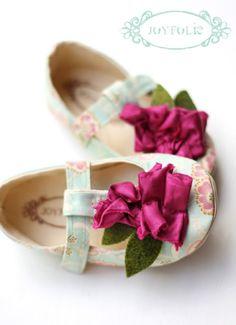 DIY little girls shoes from joy folie. love.