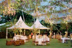 Pernikahan Outdoor dengan Suasana Romantis di Plataran Dharmawangsa -