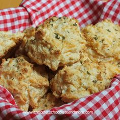 TweetCopy Cat Red Lobster Cheddar Bay Biscuits, even better than the restaurant Red Lobster biscuits are the best! I think it's a cruel trick to have such amazing bread on the table when you're in the restaurant for the seafood.  I have such a hard time controlling myself. We've been making these biscuits for years.  We probably have them …