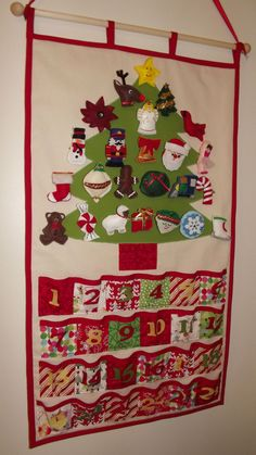 CHRISTMAS+ADVENT+CALENDAR+with+Felt+Ornaments+by+CarriesComforts Christmas Tree Advent Calendar, Christmas Trees For Kids, How To Make Christmas Tree, Felt Christmas Ornaments, Christmas Countdown, Felt Crafts Patterns, Holiday Crafts, Holiday Decorations, Advent Calenders