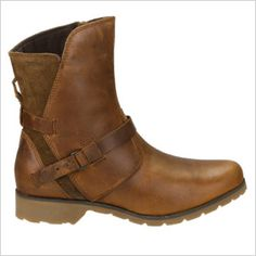 Check out the Teva Womens De La Vina Low Boot at Cotswold Outdoor. These riding boot inspired De La Vina Low Boots buck tradition with a modern wrapped upper, buckle adjust strapping and. Low Boots, Knee Boots, Stylish Boots, Waterproof Shoes, Cute Shoes, Winter Boots, Comfortable Shoes, Leather Boots, Riding Boots