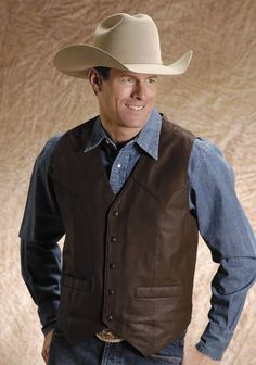 For authentic, classic, western apparel at an affordable price, Roper is the brand to trust. This classic western style mens leather vest features a goat skin n