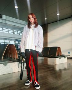 Sandara park twitter update Kpop Fashion, Asian Fashion, Fashion Outfits, Sandara Park Fashion, 2ne1 Dara, Just Girl Things, Press Photo, Yg Entertainment, Korean Singer