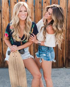 Becca Tilley & JoJo Fletcher... Hair goals!