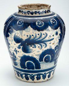omgthatartifact:    Jar  Mexico (Puebla), 1700-1750  The Museum of Fine Arts, Boston