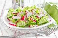 Cucumber and radish salad, kurkku-retiisisalaatti, resepti – Ruoka.fi