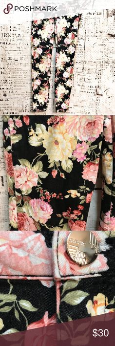 "Ooh La La Skinny Floral Trousers Pants Flowers Beautiful floral print skinny pants by brand Ooh La La. Pattern is pink and yellow flowers on a solid black background. Front and back pockets. In excellent condition.  Approx. measurements: 16"" flat waist, 8"" rise, 29"" inseam. Ooh La La Pants Skinny"