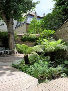 Great planting palette and good use of decking area installed above and around the mature tree Back Gardens, Small Gardens, Outdoor Gardens, Urban Garden Design, Garden Paths, Garden Landscaping, Terrace Garden, Indoor Garden, Garden Art