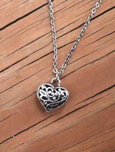 heart necklaces for girlfriend swarovski crystal heart. Black Bedroom Furniture Sets. Home Design Ideas