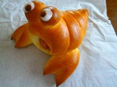 cute - Hermit Crab bread - sausage in the middle Hermit Crab Buns with Hot dog or Sausage inside hermit crab - not a cookie but sure would look good pastry whimsy (photo only) Self explanatory. Use baking cone to make the body. Cute Food, Good Food, Yummy Food, Bento Recipes, Cooking Recipes, Budget Recipes, Bread Shaping, Bread Art, Food Decoration