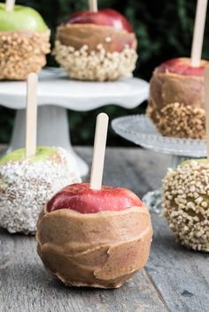Healthier Raw Vegan Caramel Apples Recipe that only take 10 minutes to make! Perfect for Halloween, even Thanksgiving and basically any time in autumn ;) Also Gluten-free! /// VeganFamilyRecipes.com /// #dairyfree #dates
