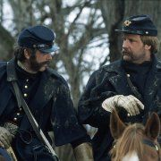 Still of Jeff Daniels and C. Thomas Howell in Gods and Generals (2003)