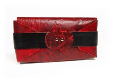 fiveleft-foldedclutch-redscrap No sewing here, just three sheets of leather and some origami ingenuity. Favorite Color, Purses And Bags, Origami, Artisan, Sewing, My Love, Leather, Handmade, Craftsman
