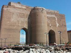Selçuklular dönemine ait bir şehir giriş kapısı İRAN_TEBRİZ