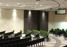 At the North West Province Legislature some assemblies or meetings need a large space to accommodate the many people and some meetings need less space for fewer people, so the Variflex® system is parked neatly away into a niche. No floor track!