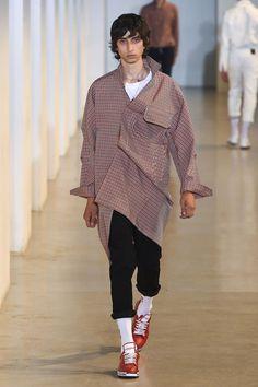 Wooyoungmi Spring/Summer 2018 Menswear | British Vogue