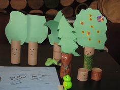 Make a family of forest trees...  #GaleriAkal Untuk berbagi ide dan kreasi seru si Kecil lainnya, yuk kunjungi website Galeri Akal di www.galeriakal.com Mam!