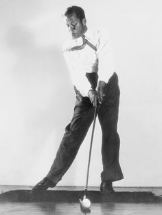 1930s  By the 1930s, golfers were abandoning their knickers in favor of flannel…