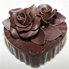 Chocolate cupcake Chocolate Roses, Chocolate Dreams, Chocolate Delight, I Love Chocolate, Chocolate Heaven, Chocolate Art, Chocolate Shop, How To Make Chocolate, Chocolate Desserts