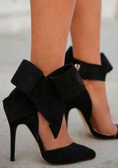 Bow Heels ❤︎ L.O.V.E.
