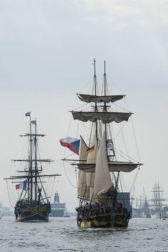 #etoileduroy #lagrace #hansesail #sailing #ships #rostock #warnemünde #warnemuende #traditionssegler #tallships