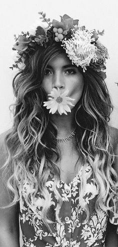 Daisy Love, Black N White, Good Vibes Only, Flower Petals, Love And Light, Pretty Flowers, Black And White Photography, Her Hair, Color Change