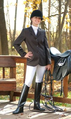 i love her entire english riding outfit