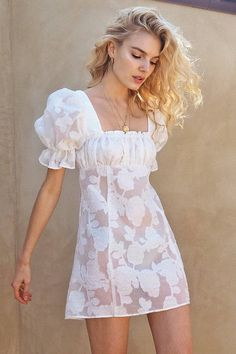 White Floral Organza Silk Mini Dress With Oversized Sleeves & Gathered Bodice. Made In Los Angeles. Pretty Summer Dresses, Best Summer Dresses, Summer Dress Outfits, Girly Outfits, Trendy Outfits, Cool Outfits, Fashion Me Now, Girl Fashion, Fashion Outfits