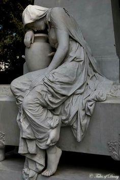 Cemetery Angels, Cemetery Art, Roman Sculpture, Art Sculpture, Ancient Greek Sculpture, Art Deco Posters, Greek Art, Classical Art, Rodin