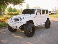 Jeep Wrangler Unlimited Rubicon Sport Utility The white color,the calm mood. Auto Jeep, Jeep Jk, Jeep Cars, Jeep Truck, Us Cars, Ford Trucks, Jeep Wrangler Rubicon Unlimited, Wrangler Jeep, Jeep Wranglers