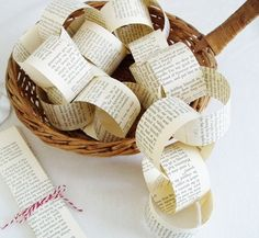 PAPER CHAIN KIT - Vintage Book,  DIY Wedding Garland Decoration