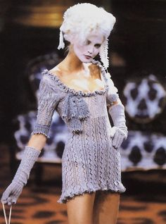Nadja Auermann, Vivienne Westwood Fall 1995