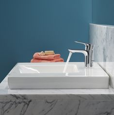 Aleo's design reflects modern efficiency, invigorated by very few gestures, while enhancing the ease with which users can handle and clean the tap. Kohler Faucet, Wall Mounted Basins, Bath Shower Mixer, Bathroom Taps, Shower Valve, Basin Mixer, Contemporary, Modern