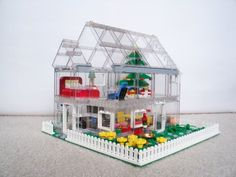 Transparent House: A LEGO® creation by Li Li : MOCpages.com