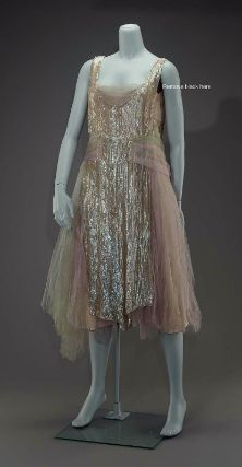 What flapper wouldn't want to dance the Charleston in this?! Evening dress, American, About 1926. Museum of Fine Arts, Boston.